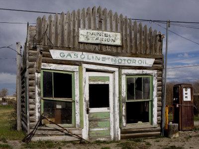 https://imgc.artprintimages.com/img/print/ruins-of-gas-station-pinedale-wyoming-united-states-of-america-north-america_u-l-p8zmhh0.jpg?p=0