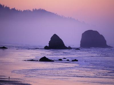 Runner on The Beach, Cannon Beach, Oregon, USA-Gavriel Jecan-Photographic Print