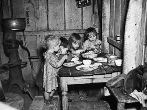 Christmas Poor, 1936 by Russell Lee