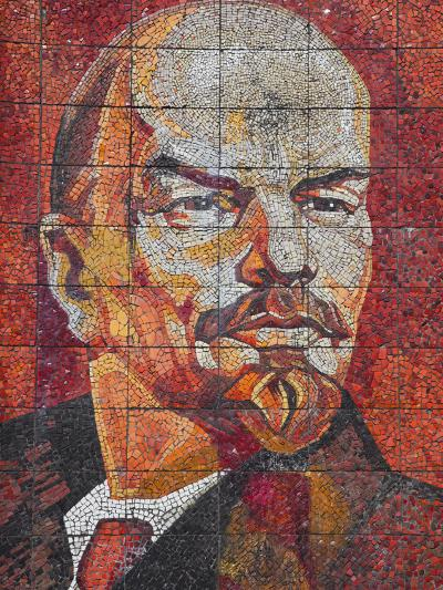 Russia, Black Sea Coast, Sochi, Riviera Park, Revolutionary Mosaic of Vladimir Lenin-Walter Bibikow-Photographic Print