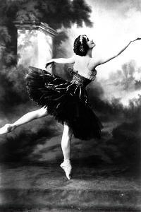 Russian Dancer Anna Pavlova (1881-1931) Here in the 10'S