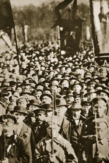 Russian revolutionaries in Petrograd (St Petersburg), Russia, 1917-Unknown-Photographic Print