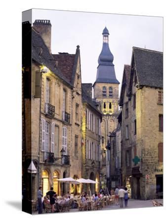 Evening in the Place De La Liberte, Sarlat-La-Caneda, Dordogne, Aquitaine, France, Europe