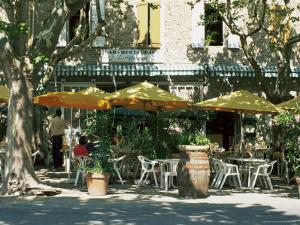 Pavement Cafe, Lagrasse, Aude, Languedoc-Roussillon, France by Ruth Tomlinson