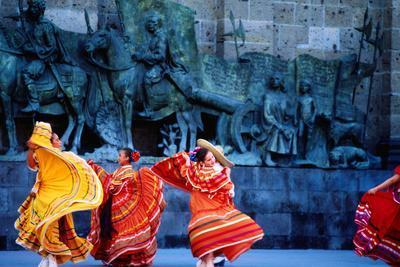 Performers in Front of Palacio De Justicia.