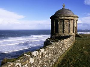 Mussenden Temple in Downhill Estate by S. Vannini