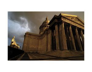 Le Pantheon by Sabri Irmak