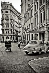 Streets of Havana by Sabri Irmak
