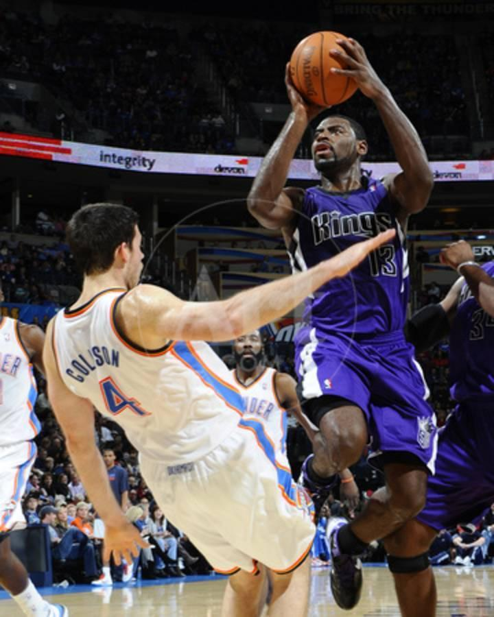 Sacramento Kings V Oklahoma City Thunder Nick Collison And Tyreke Evans Photo By Larry W Smith Art