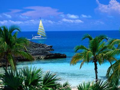 Sailing off Eleuthera, Eleuthera Point, Bahamas-Michael Lawrence-Photographic Print