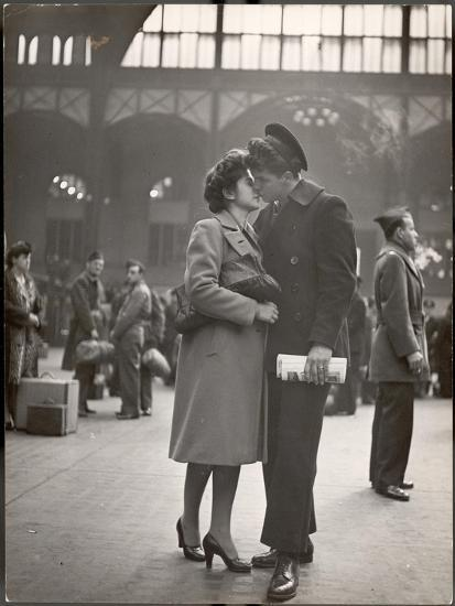 Sailor Kissing His Girlfriend Goodbye before Returning to Duty, Pennsylvania Station-Alfred Eisenstaedt-Photographic Print