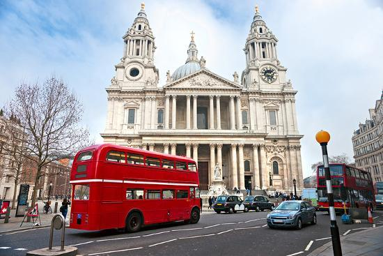 saint-paul-cathedral-london-uk