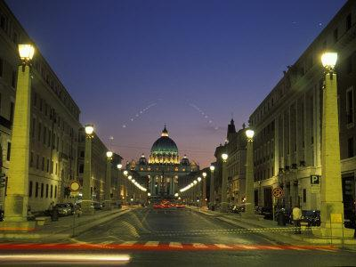 https://imgc.artprintimages.com/img/print/saint-peter-s-square-at-vatican-city-at-night_u-l-p2x7cc0.jpg?p=0