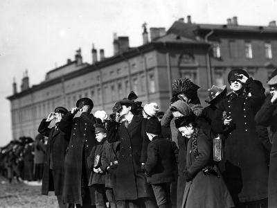 Saint Petersburg Residents Watching a Full Solar Eclipse, 1912--Photographic Print