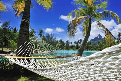 https://imgc.artprintimages.com/img/print/saint-regis-bora-bora-resort-bora-bora-french-polynesia-south-seas-pr_u-l-pxt7g00.jpg?p=0