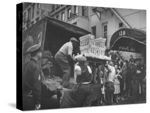 Wedding Cake Shape of White House Delivered for Adam Clayton Powell Jr. and Hazel Scott's Wedding by Sam Shere
