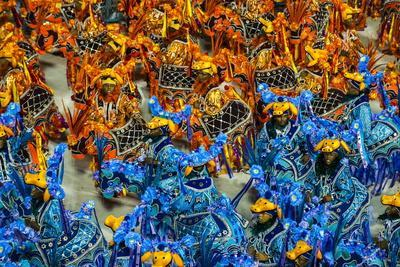 https://imgc.artprintimages.com/img/print/samba-parade-at-the-carnival-in-rio-de-janeiro-brazil-south-america_u-l-pnglrw0.jpg?p=0