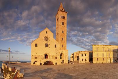 San Nicola Pellegrino Cathedral at Sunset, Piazza Del Duomo, Trani-Markus Lange-Photographic Print