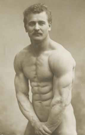 Sandow (né à koenigsberg),  leveur de poids