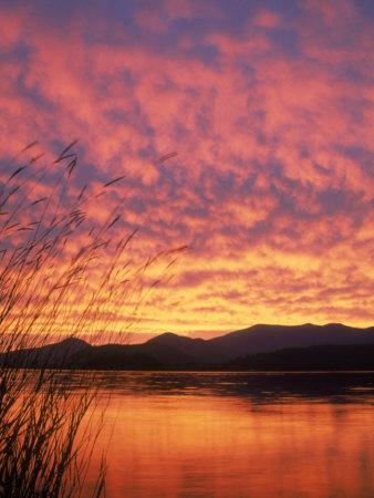 https://imgc.artprintimages.com/img/print/sandpoint-id-sunset-on-lake_u-l-pxz74e0.jpg?p=0