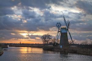 Sunset at Turf Fen Mill at How Hill Ludham on the The River Ant, Broadland, Norfolk by Sarah Weston