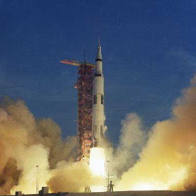Saturn V Rocket--Photographic Print