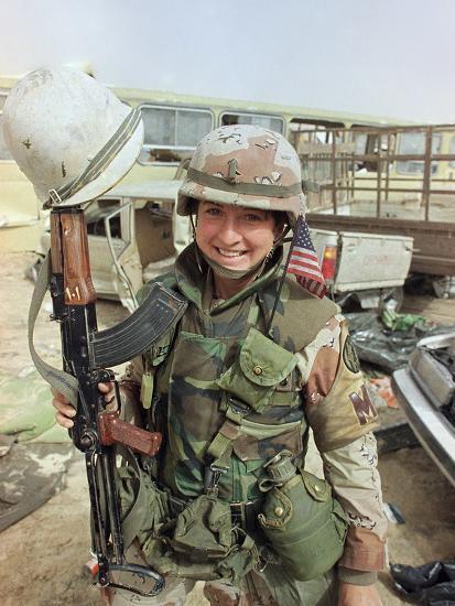 Saudi Arabia Army U.S. Troops Women Tanya Brinkley-David Longstreath-Photographic Print