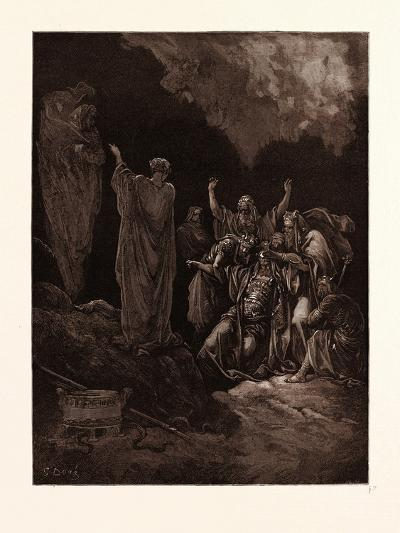 Saul and the Witch of Endor-Gustave Dore-Giclee Print