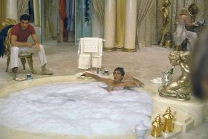 SCARFACE, 1983 directed by BRIAN by PALMA Steven Bauer and Al Pacino (photo)