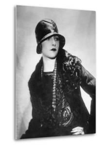 Hat Fashion for Women, 1930s by Scherl Süddeutsche Zeitung Photo
