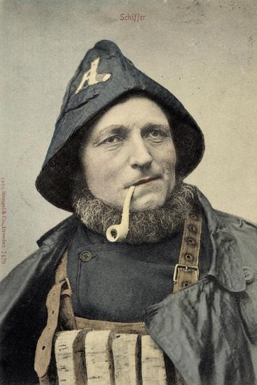 Schiffer, Mann in Arbeitskleidung, Seemann, Pfeife--Giclee Print
