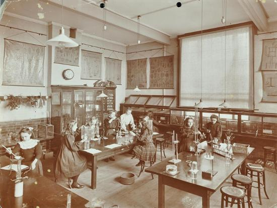 Science Class, Aristotle Road Girls School, Clapham, London, 1908--Photographic Print