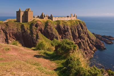 Scotland, Dunnottar Castle-Thomas Ebelt-Photographic Print