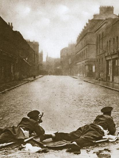 Scots Guards keeping guard on Sydney Street, London, 1911-Unknown-Photographic Print