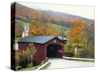 Covered Bridge in Autumn Landscape, Battenkill, Arlington Bridge, West Arlington, Vermont, USA