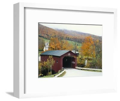 Covered Bridge in Autumn Landscape, Battenkill, Arlington Bridge, West Arlington, Vermont, USA