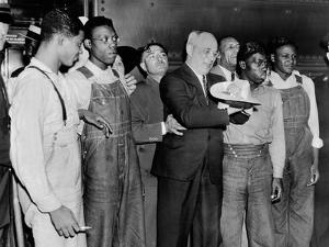 'Scottsboro Boys' and Radical Lawyer Samuel Leibowitz Cheer at Penn Station