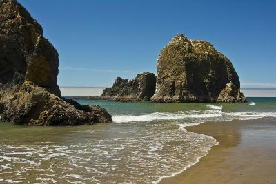 Sea Stacks, Low Tide, Oceanside, Oregon, USA-Michel Hersen-Photographic Print