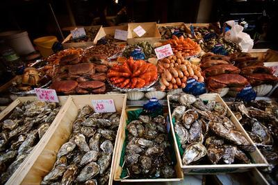 https://imgc.artprintimages.com/img/print/seafood-for-sale-on-display-in-paris-france_u-l-pswoxg0.jpg?p=0