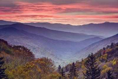 Smoky Mountains National Park in Tennessee, USA by SeanPavonePhoto