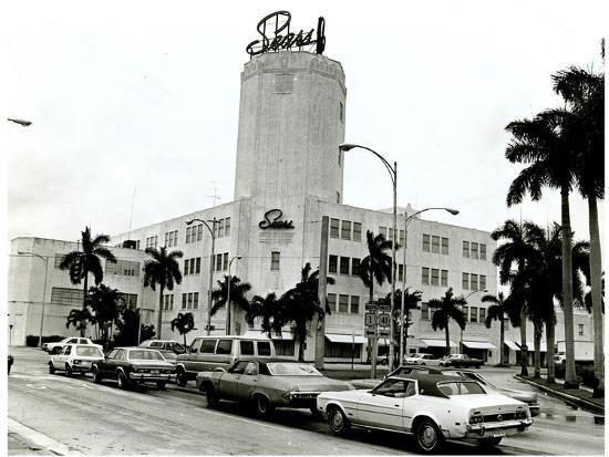 Sears Tower on Biscayne Boulevard, Miami, 17 June 1982 Photographic Print  by | Art com