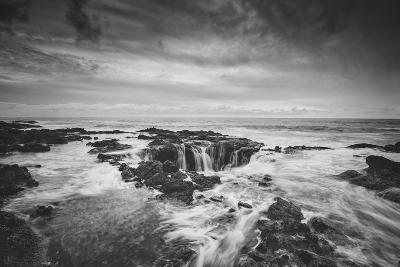 Seascape at Thor's Well in Black and White, Oregon Coast--Photographic Print
