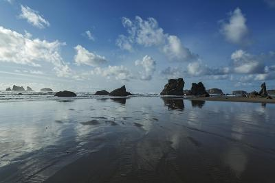 Seascape with Rocks at Bandon Beach in Bandon, Oregon-Macduff Everton-Photographic Print