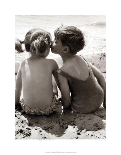 Seaside Romance--Giclee Print