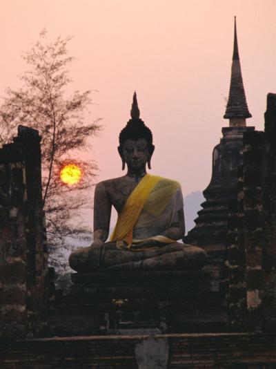 Seated Buddha Statue, Wat Mahathat, Sukhothai, Thailand-Rob Mcleod-Photographic Print