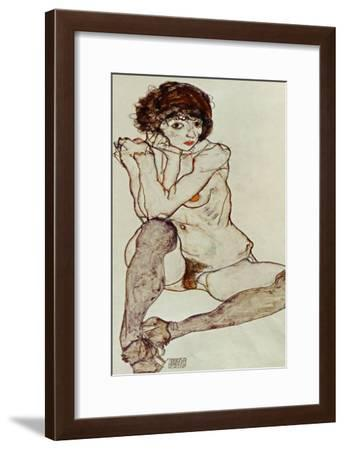 Seated Female Nude, Elbows Resting on Right Knee, 1914-Egon Schiele-Framed Giclee Print