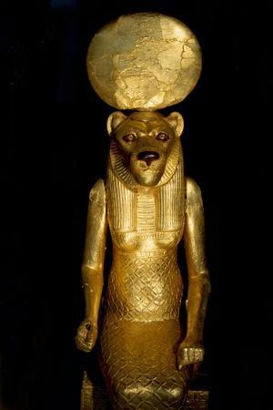 https://imgc.artprintimages.com/img/print/seated-figure-of-the-goddess-sekhmet-from-the-tomb-of-tutankhamun_u-l-pma2zd0.jpg?p=0