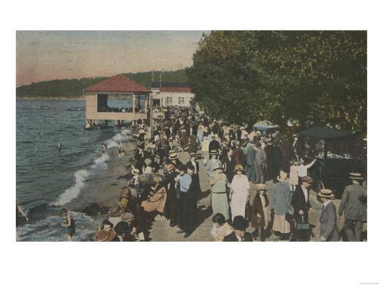 Seattle, WA - Boardwalk at Alki Point, Beach, and Crowds-Lantern Press-Art Print