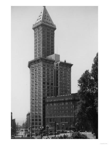 Seattle, WA - Smith Tower Building View and Street Scene-Lantern Press-Art Print