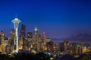 Seattle Skyline by Sebastian Schlueter (sibbiblue)